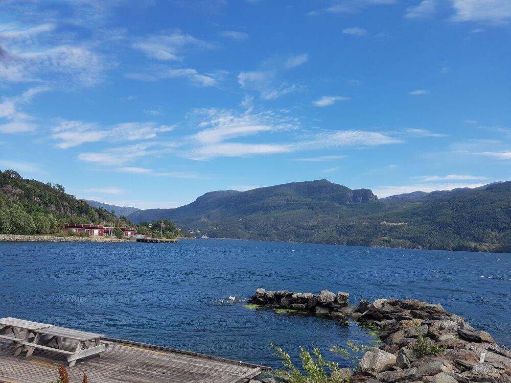 Ausblick in den Saudafjord am Campingplatz