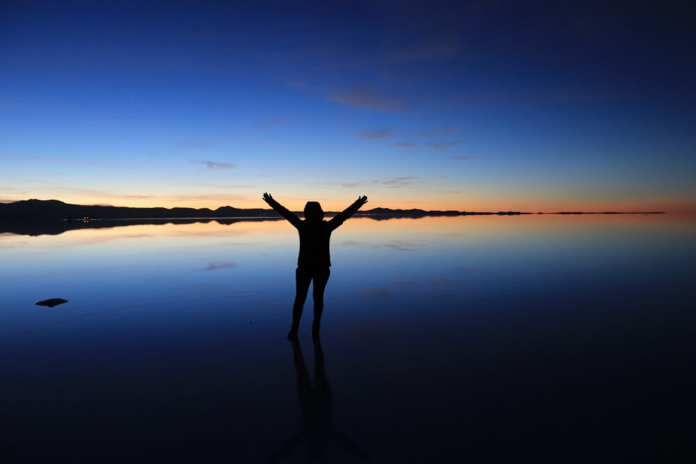 Chile in drei Wochen: Sonnenaufgang am Salar de Uyuni in Boliven
