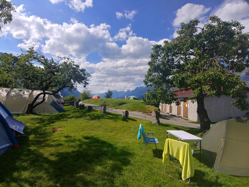 Zelten in Norwegen: Ausblick vom Zeltplatz Lofthus