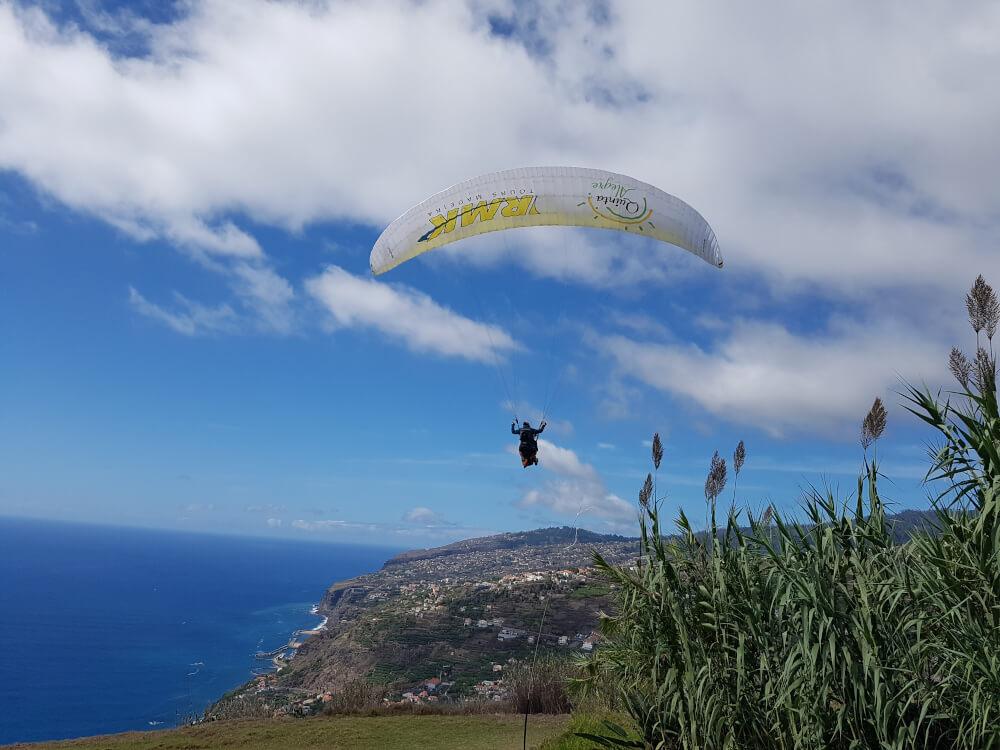 Ein Paraglider