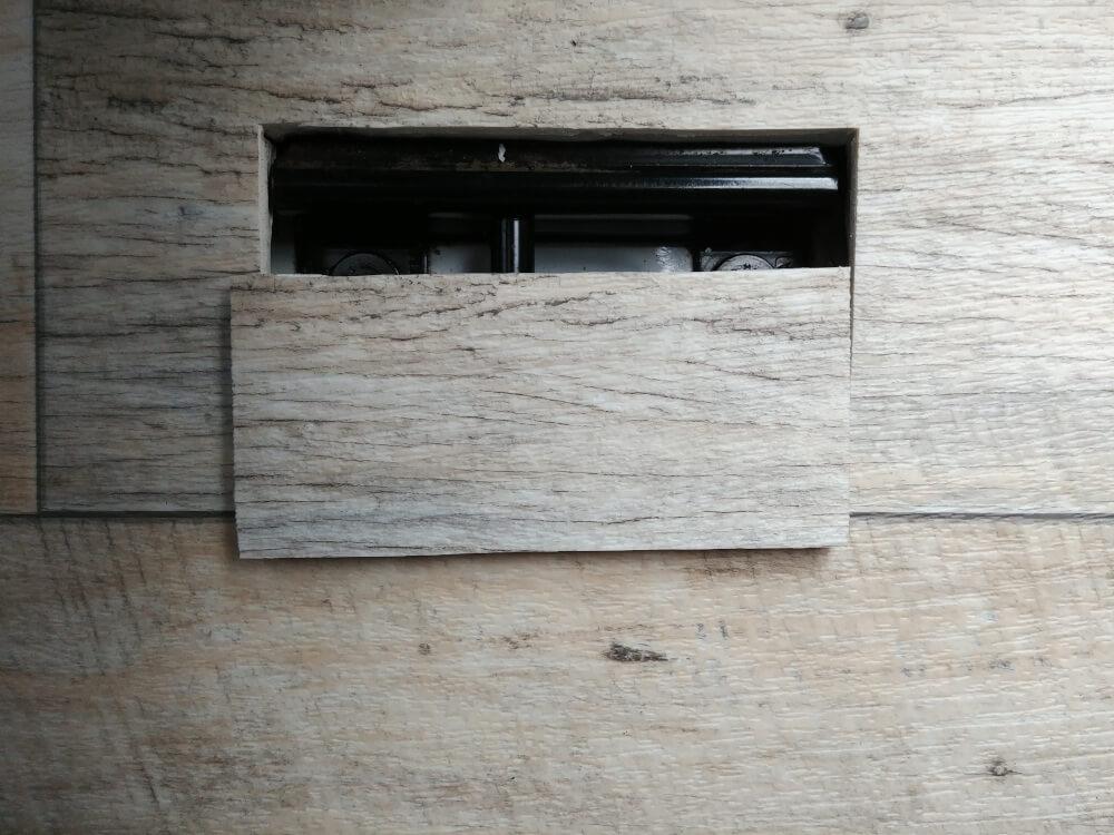Sitzbankhalterungen im T5 in der Bodenplatte
